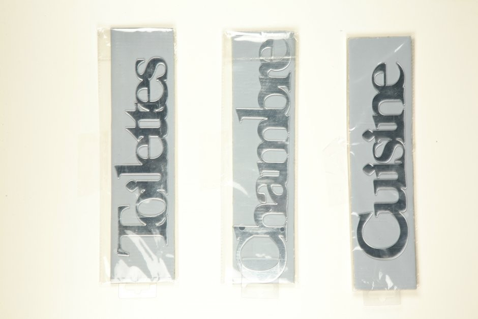 luxe decors plaque de porte sticker miroir. Black Bedroom Furniture Sets. Home Design Ideas